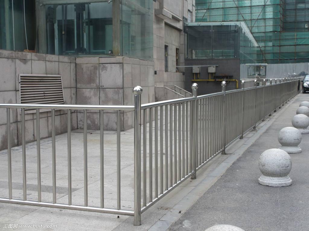 河北不锈钢防护栏价格