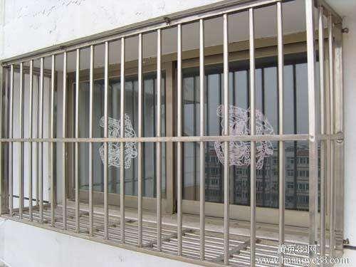 不锈钢防护栏厂家