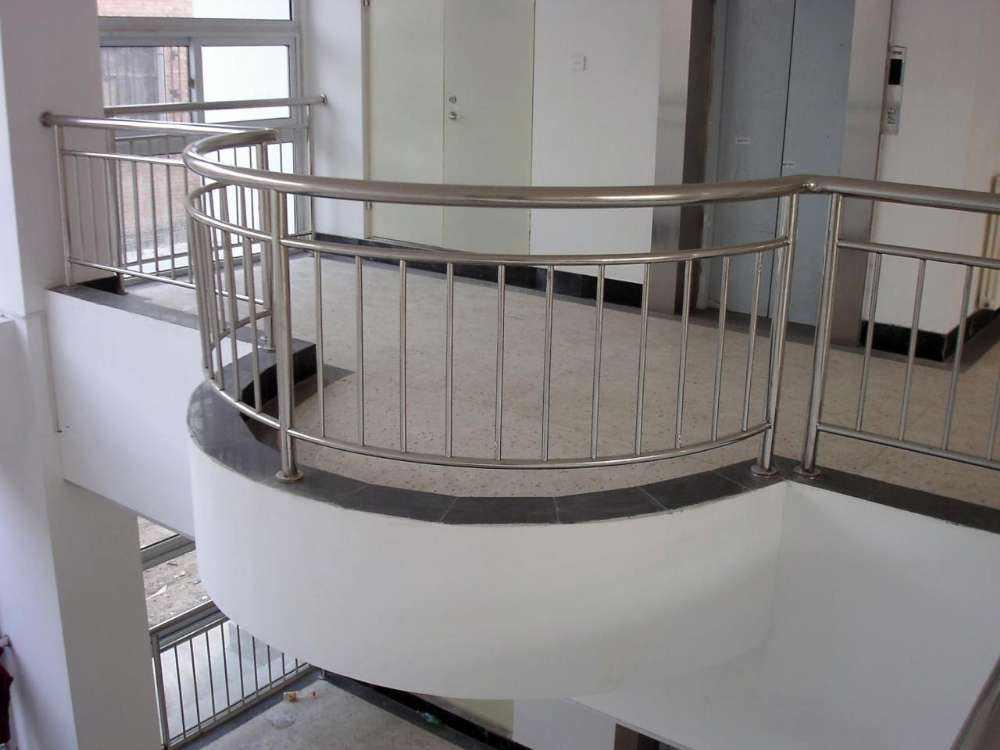 不锈钢楼梯扶手厂家
